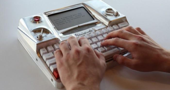 Hemingwrite - гибрид печатной машинки и компьютера.