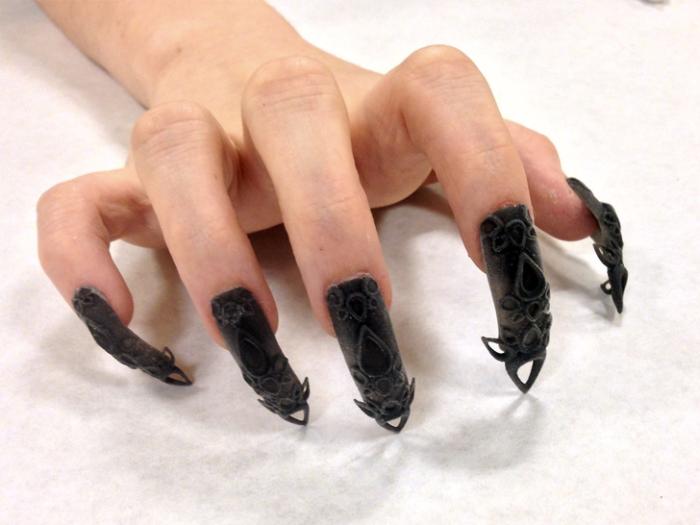 Готический дизайн ногтей.