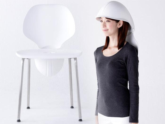 Японское кресло-шлем для защиты во время землетрясения.