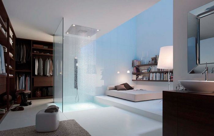 Прозрачный душ в спальне