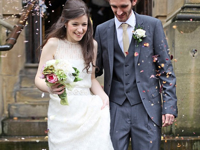 Вязаное свадебное платье.
