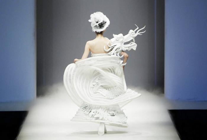 Мода по-китайски от куюрье Xu Ming.