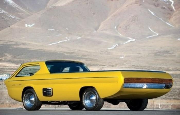 Dodge Deora.