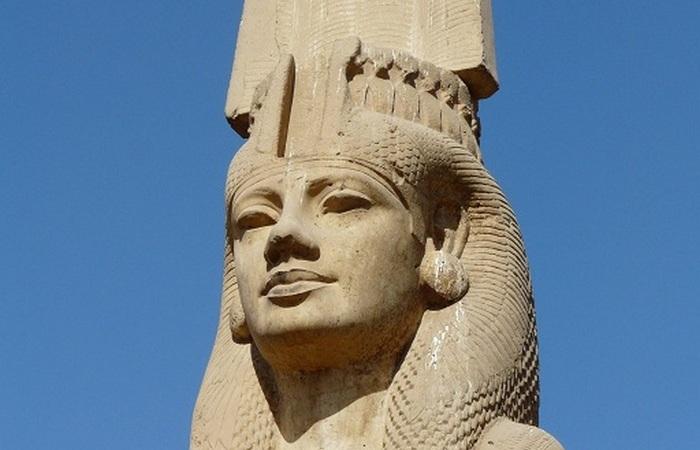 Статуя в храме Мина в городе Ахмим.
