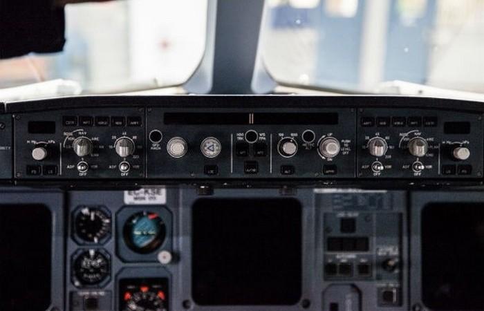 Автопилот не используется во время взлета и посадки.