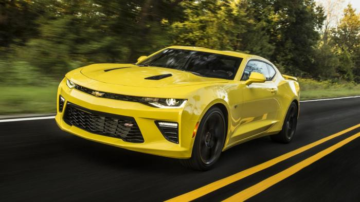 Chevrolet Camaro - «лошадка с большим двигателем»
