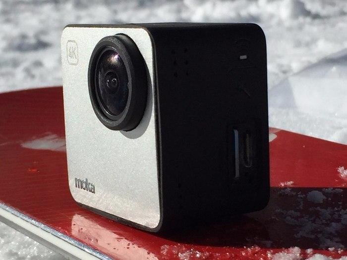 Камера выдержит погружение под воду до 30 метров.