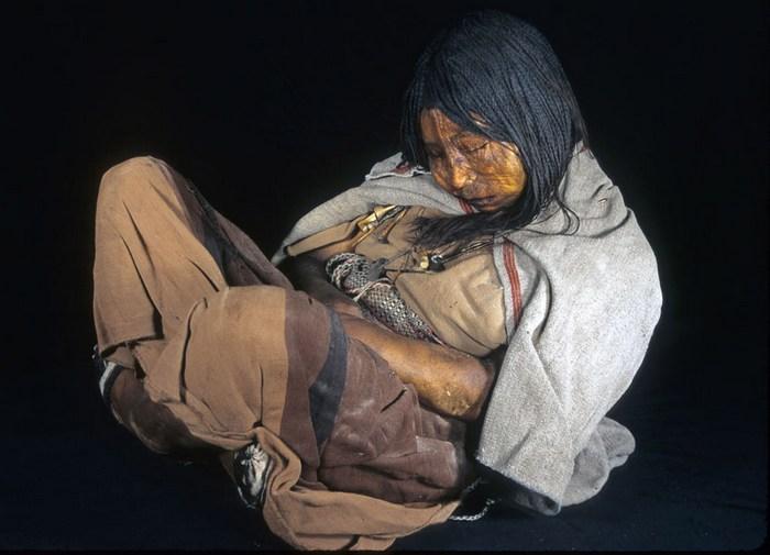 Дети инков, которых кормили наркотиками.