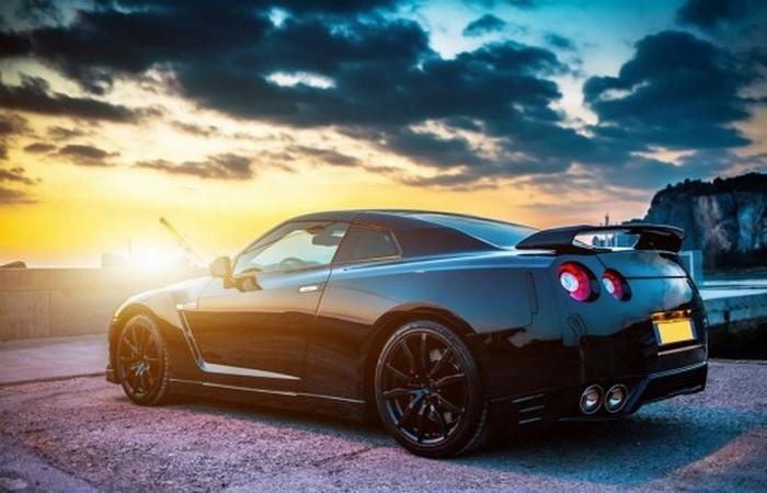 Суперкар Nissan GT-R Nismo.