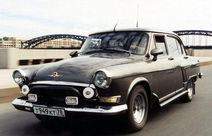 Использовать синтетическое масло в в старом автомобиле.
