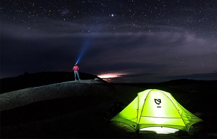 Палатка - главный инструмент туриста.