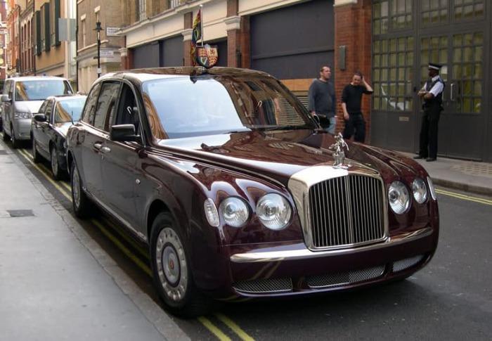 Автомобиль Её Величества.