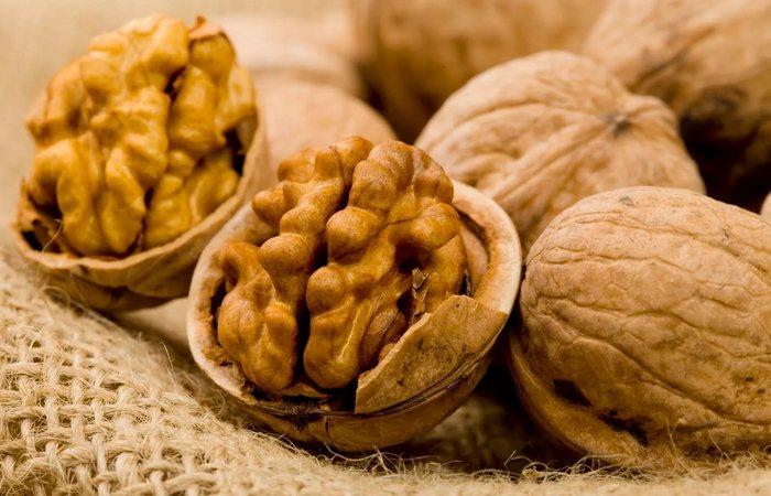 Вкусно и питательно: грецкие орехи.