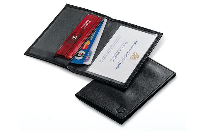 Поместится даже в бумажнике.