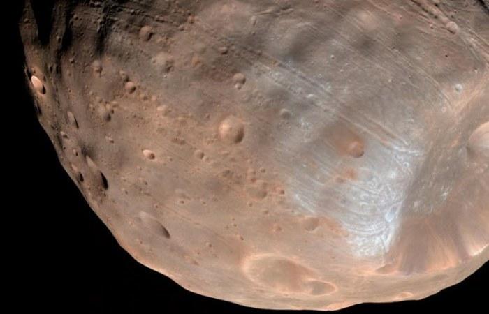 Марс может разрушить Фобос.
