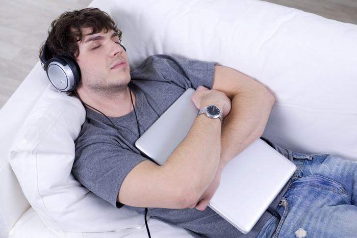 Важно знать: идеальное время для засыпания.