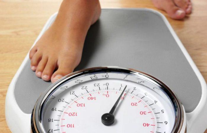 Польза голодания: потеря веса.