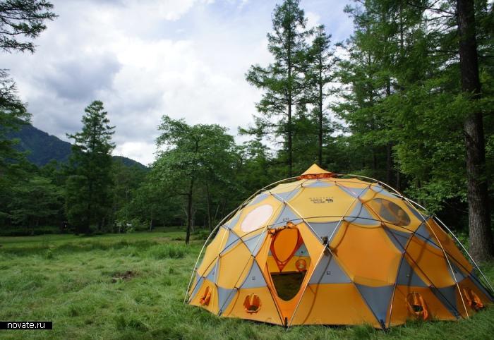 Палатка для любителей отдыхать с комфортом.