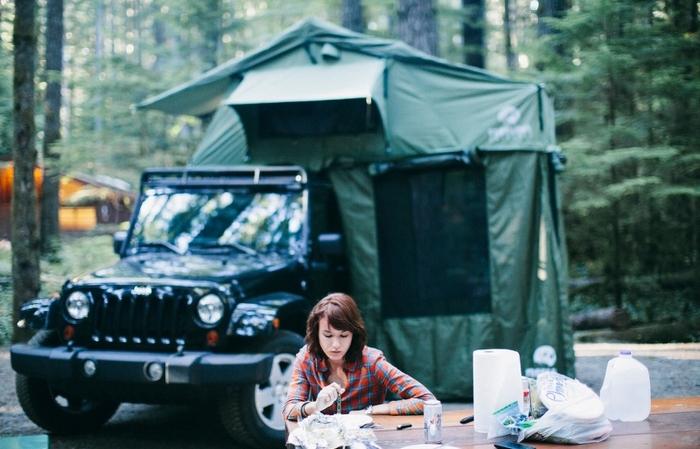 Палатка-гибрид Treeline Outdoors.