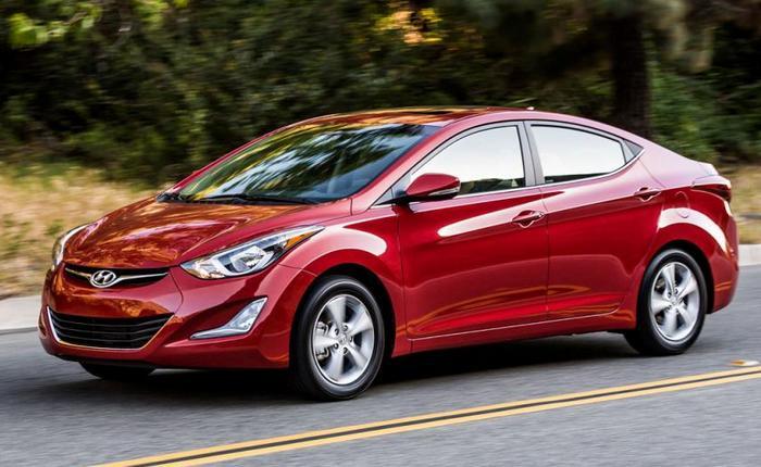 Hyundai Elantra - малолитражка для любителей комфорта