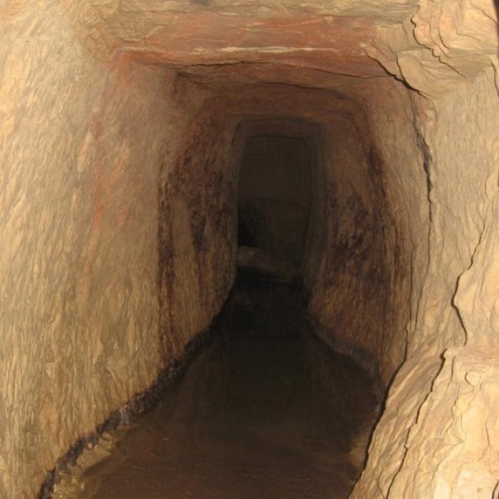 Туннели английских контрабандистов.