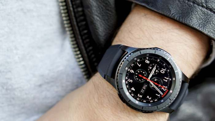 Новые умные часы от Samsung.