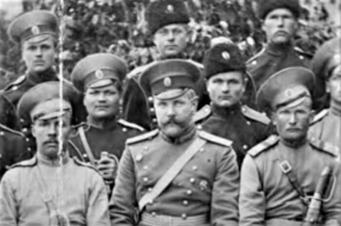 Михаил Дмитриевич окончил пехотное училище. |Фото: polzam.ru.