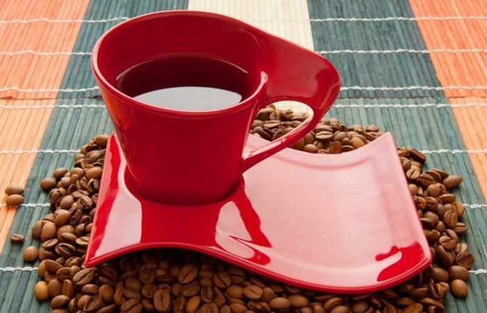 Вред от кофе: кровяное давление может кратковременно увеличиться.