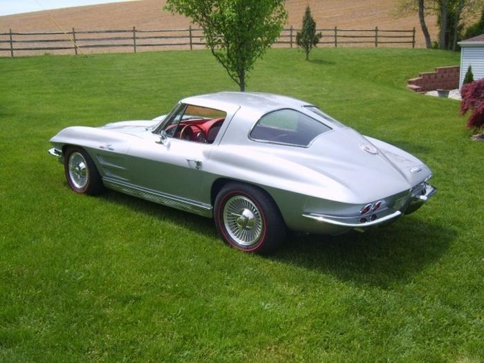 Chevrolet-Corvette-Split-Window-LS
