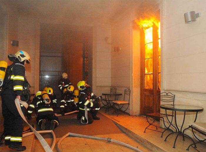 Пожара может и не случится, но сигнализация сработает точно. |Фото: utro.cz.