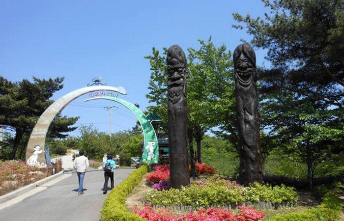 Парк пенисов в Южной Корее.