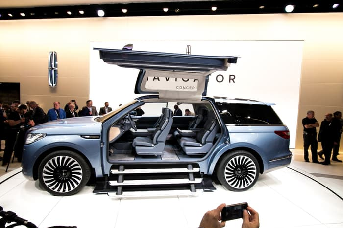 Lincoln Navigator Concept - звезда автосалона.