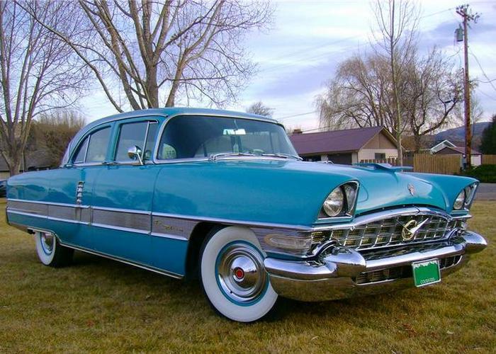 Автомобиль Packard Patrician.