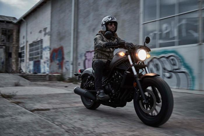 Новые мотоциклы в духе старой школы.