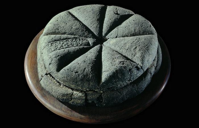 Причудливое лакомство: хлеб «Помпеи».