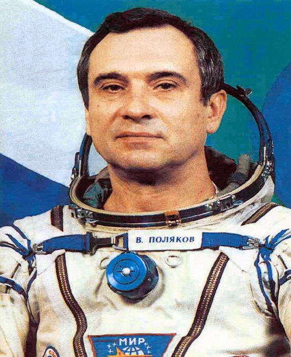 А вот и Валерий Владимирович Поляков.