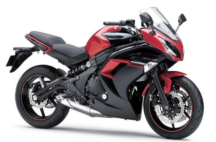 Мотоцикл Kawasaki ER-6f.