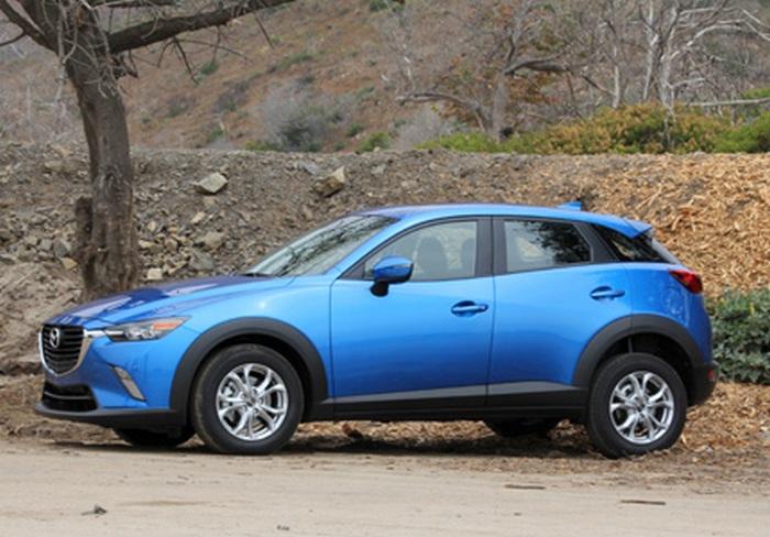 Автомобиль Mazda CX-3.