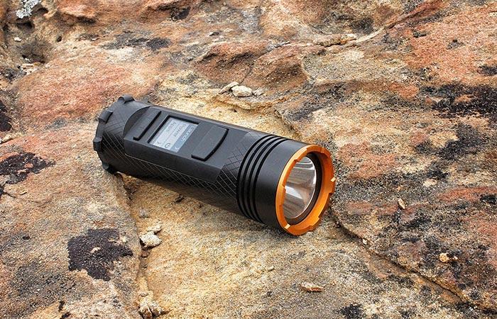 Отличный фонарик для любителей путешествовать.