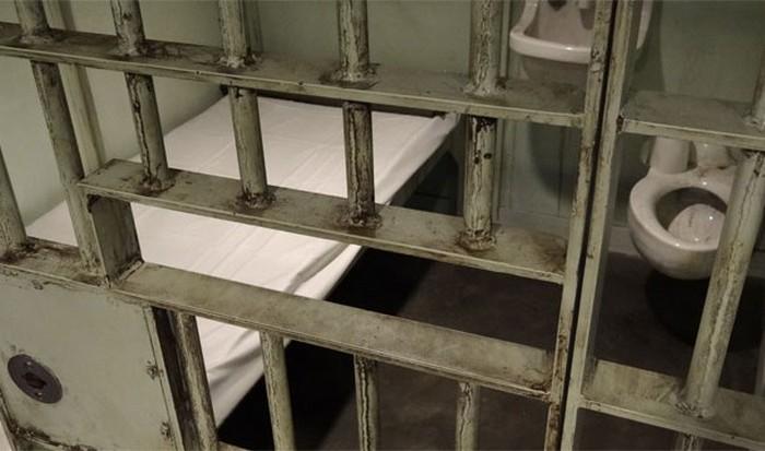 В тюрьму за медобслуживанием.