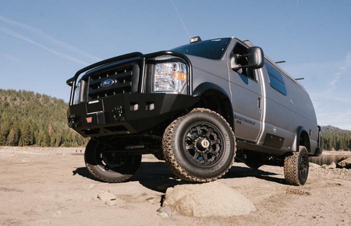 Sportsmobile's E-Series camper van - ��� ����������� ������ �� �������.