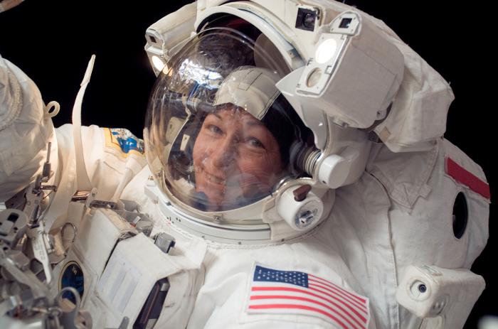 А еще она много пробыла в открытом космосе.