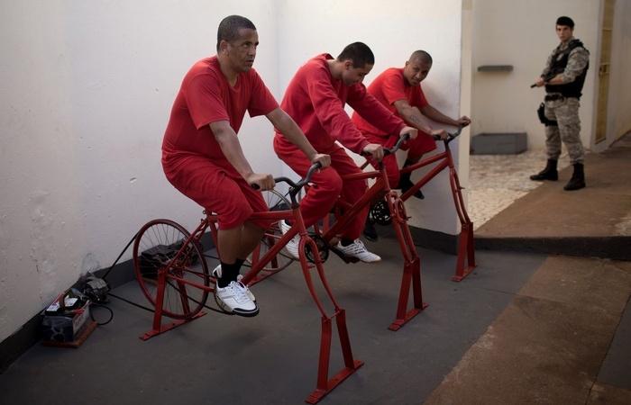 Велотренажеры в тюрьмах вырабатывают электроэнергию для окрестных деревень.