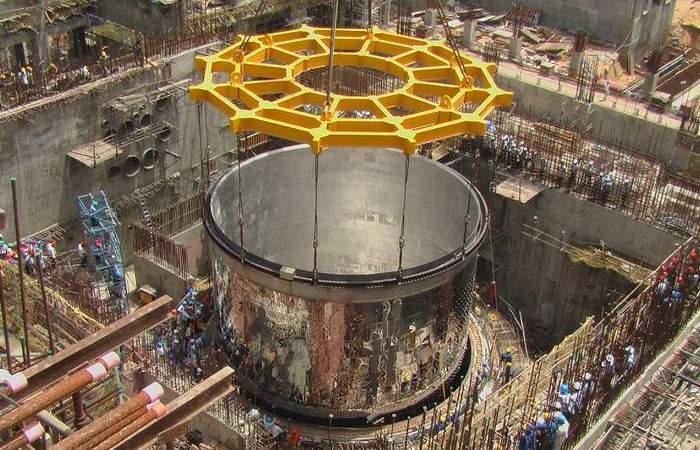 7000 тонн тория - годовая потребность в электроэнергии населения Земли.