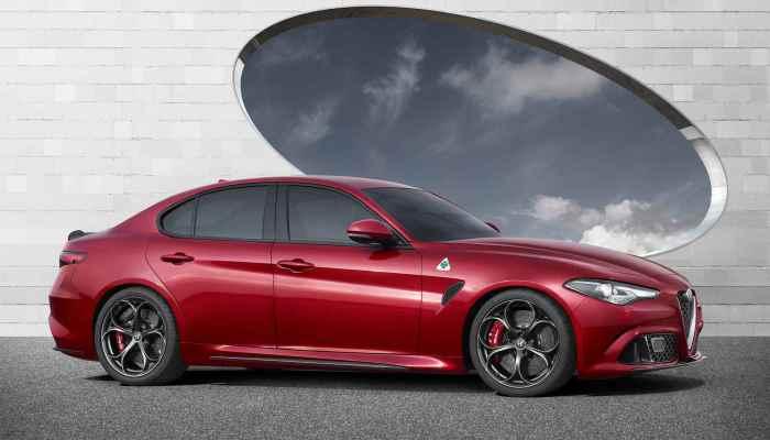 Автомобиль выйдет в 2016 году.