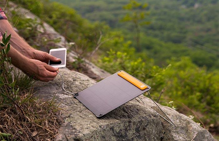Вес BioLite SolarPanel 5+ составляет 390 грамм.