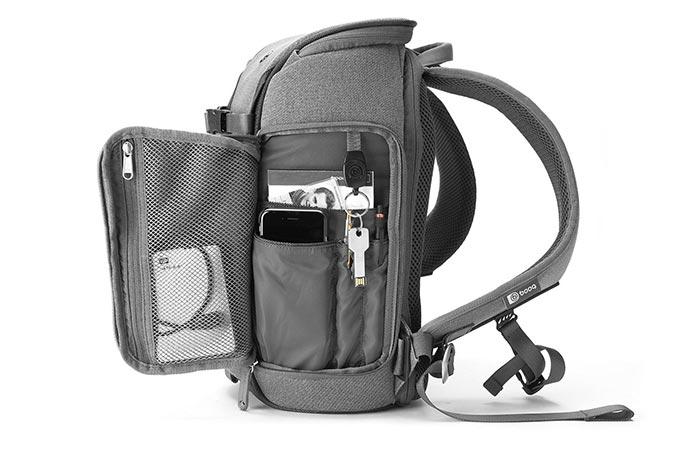 Доступ к содержимому сверху с боков рюкзака.