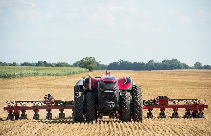Трактора-роботы уже существуют.