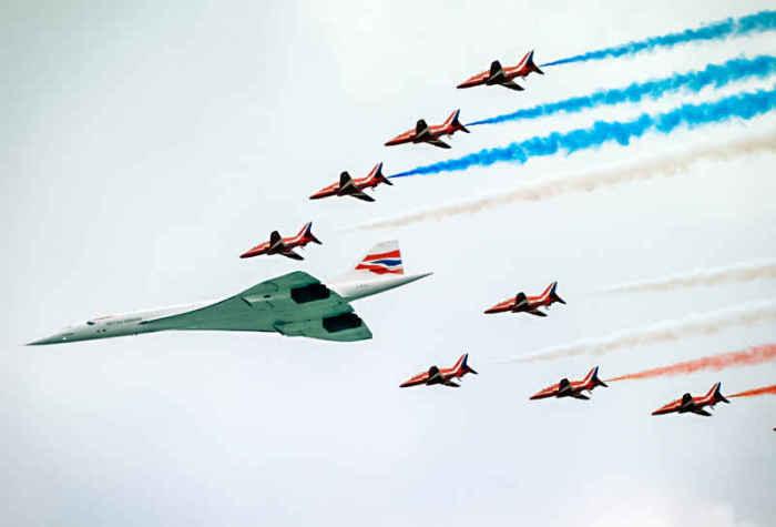 Символ холодной войны на военном параде.