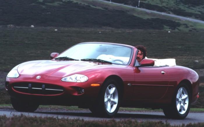 Jaguar XK8.